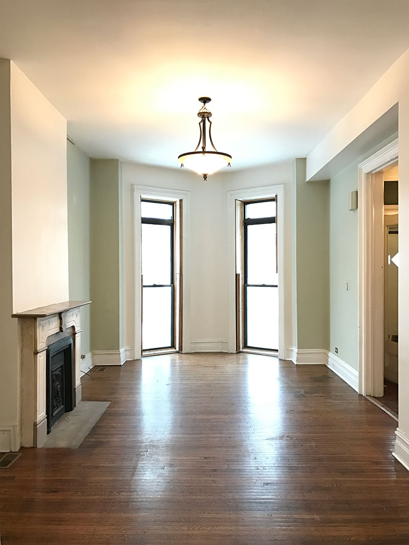 RDECO_adventure-is-in-here-greystone-before-living-room