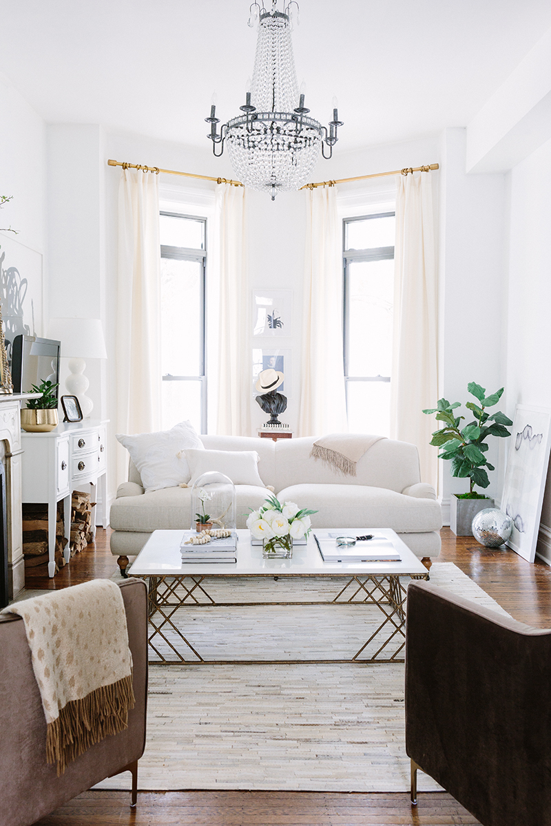 RDECO_alaina-kaczmarski-home-tour-the-everygirl-living-room-4