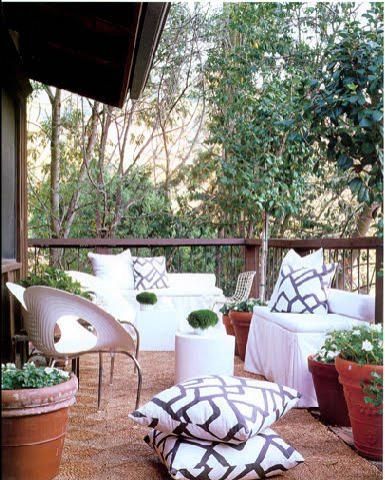 rdeco_outdoor cushions and patio
