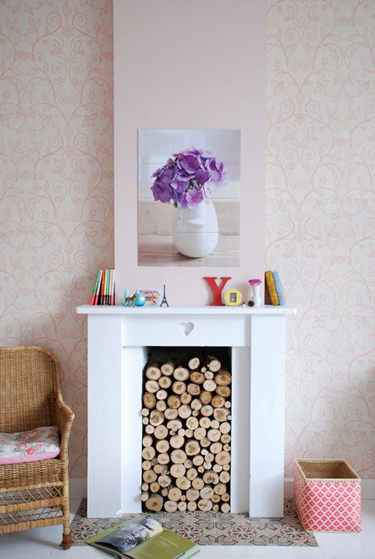 rdeco_floral_pink_fireplace
