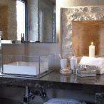 rdeco_torriemerli_interior_suite_bathroom
