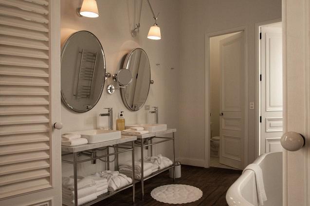 rdeco_hotelB_lima_peru_art_bath