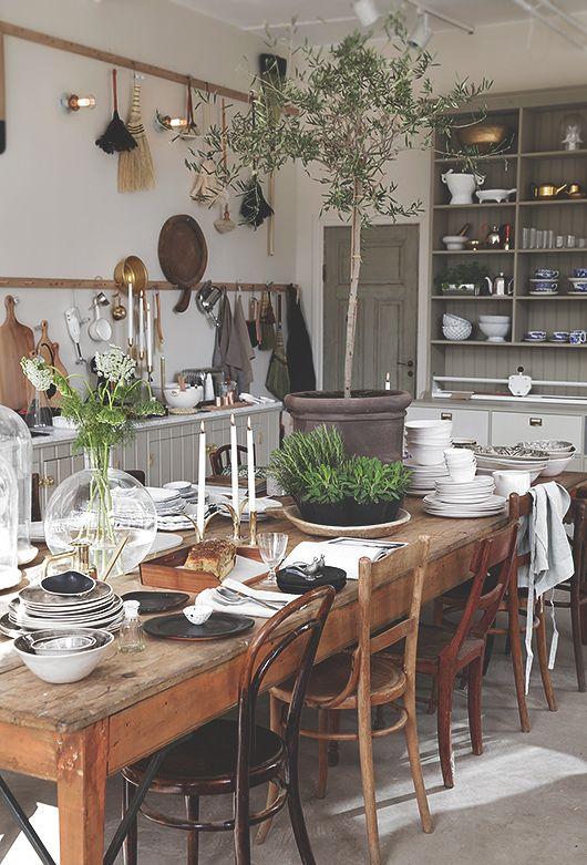 rdeco_kitchen table
