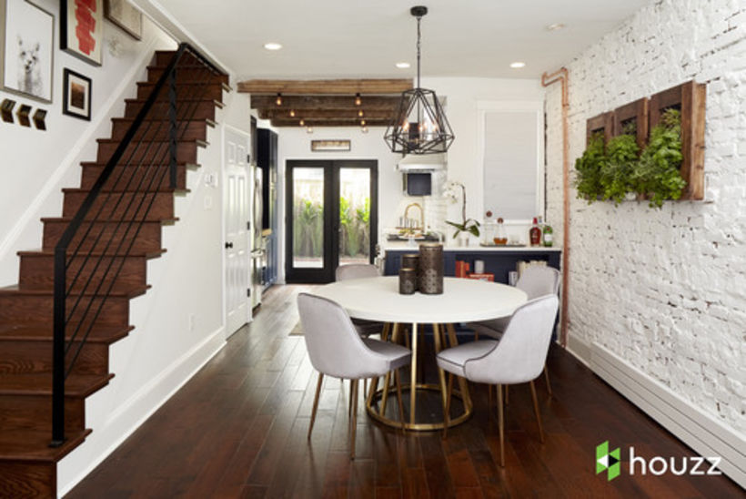 rdeco_houzz-ramsays hell kitchen-dining room
