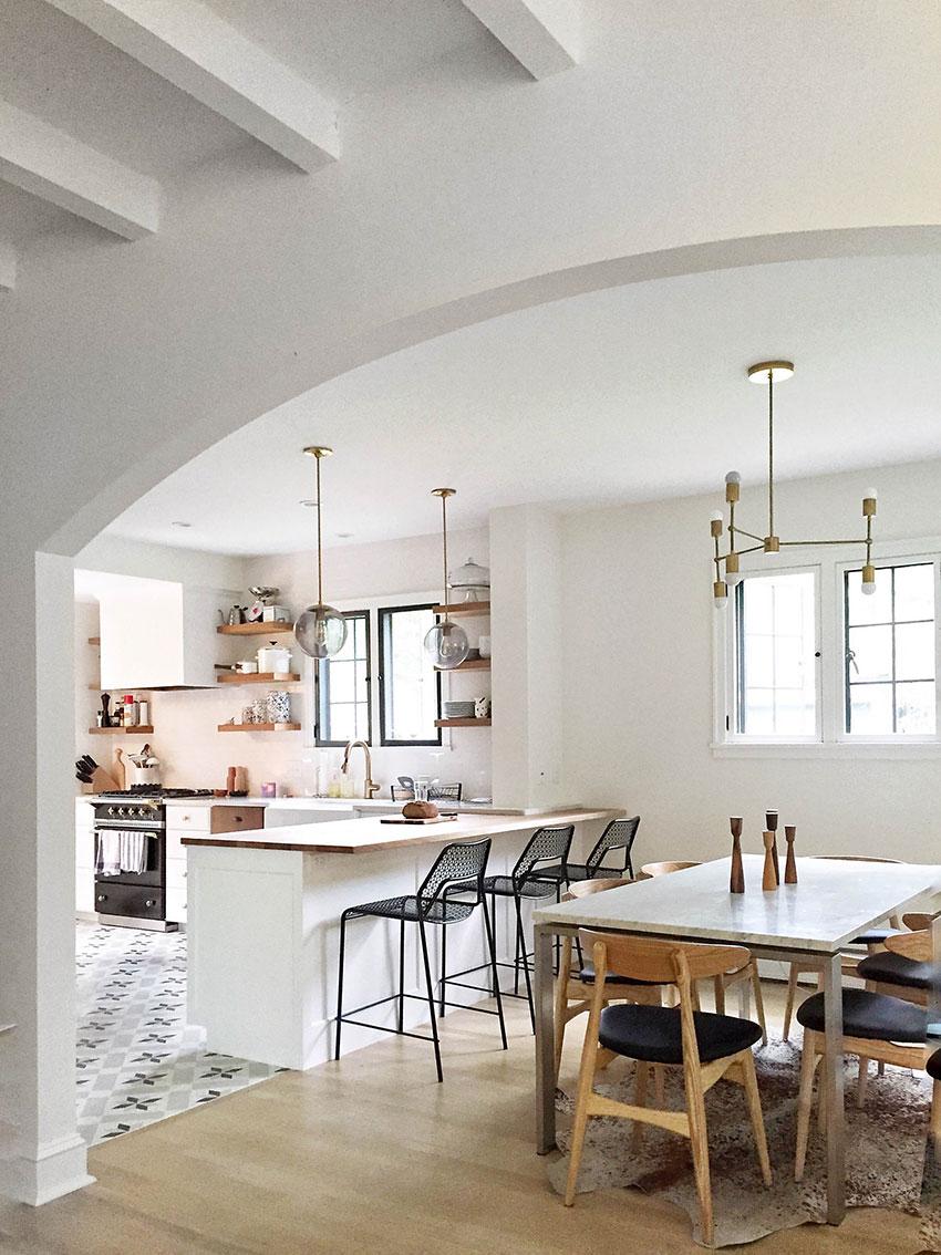 rdeco_white-kitchen-kouzina-Η αρχιτεκτονική της κουζίνας